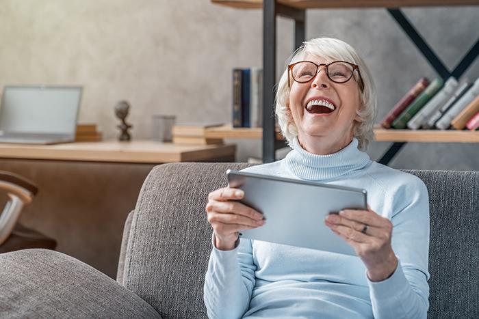 Les aînés de plus en plus branchés au Québec selon le CEFRIO