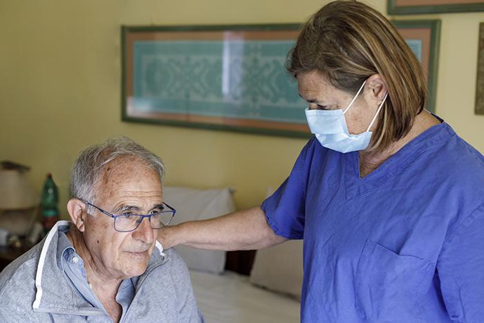 L'AREQ rencontre la Commissaire à la santé et au bien-être et dépose son mémoire concernant la performance des soins aux aînés durant la pandémie