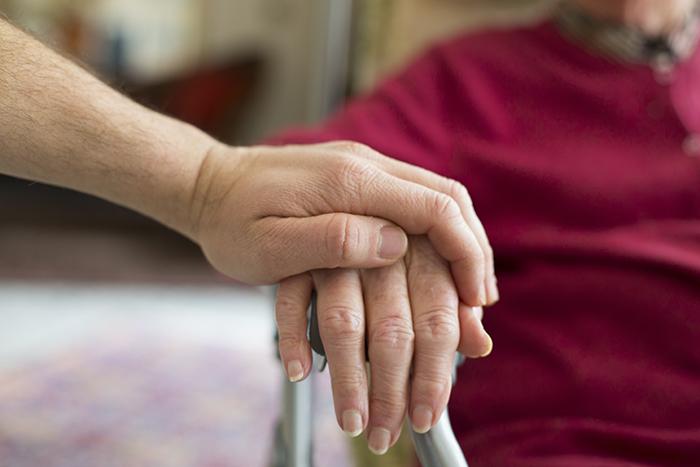 Aide médicale à mourir et troubles mentaux graves : l'AREQ suit le dossier de près
