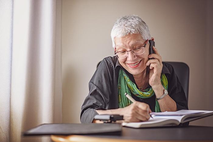 COVID-19 – L'AREQ lance une chaîne d'appels auprès de ses membres de 80 ans et plus afin de briser l'isolement