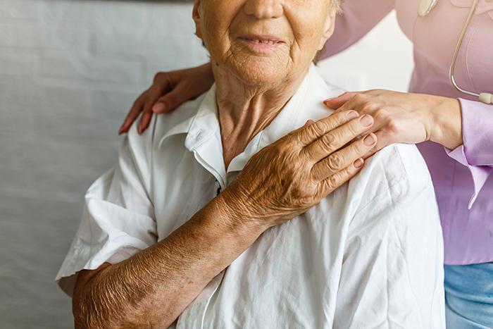 Crise dans les CHSLD – L'AREQ réclame une commission d'enquête publique et des états généraux sur les soins aux aînés