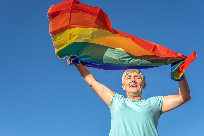 Recherche pour lutter contre la violence dans les relations intimes et amoureuses dans la communauté LGBTQ2+