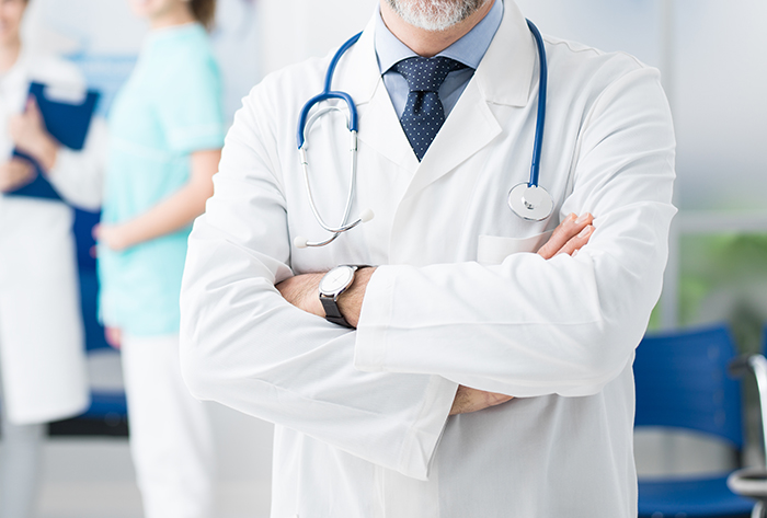 Le gouvernement du Québec gèle le salaire des médecins spécialistes