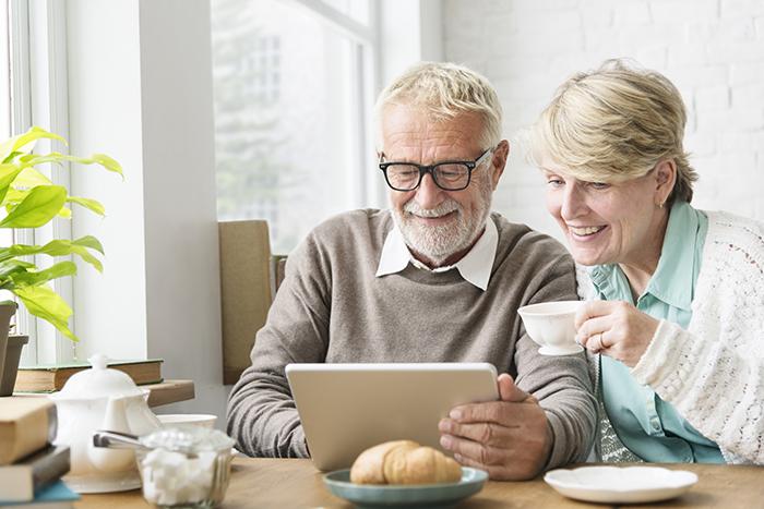 Nouveau guide Web d'Éducaloi pour les personnes aînées