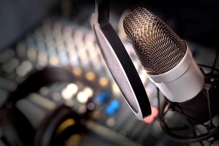 L'appel du ministre de l'Éducation aux retraités – La présidente de l'AREQ en discute à Radio-Canada