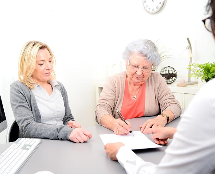 Ce qu'il faut savoir avant de signer un bail en résidence privée pour aînés
