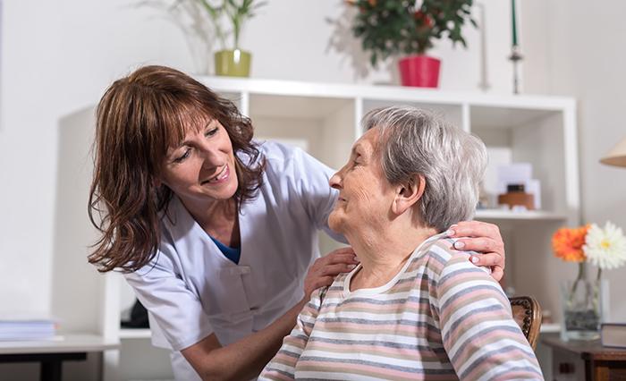 L'AREQ accueille positivement l'annonce de 280 M$ pour les soins à domicile par le gouvernement du Québec